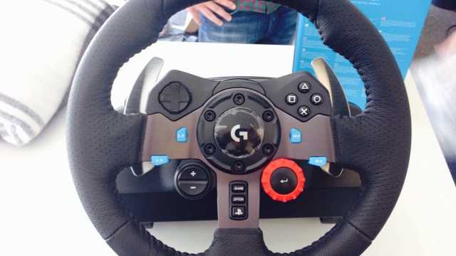 Logitech G29 Driving Force: Первые фото